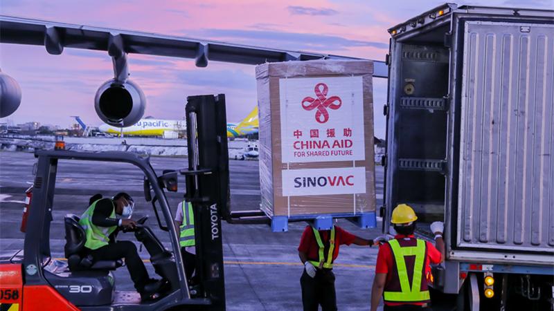 中国の援助によるコロナワクチン、フィリピンに第1陣が到着