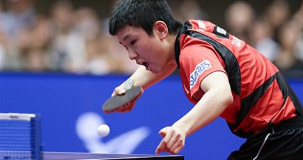 日本の張本、準々決勝で敗退 卓球アジア・カップ