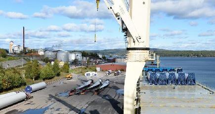 「天恩」の「氷上シルクロード」初航海成功 無事スウェーデン到着