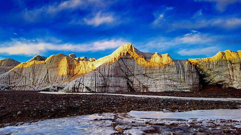大自然が作り出す造形美、普若崗日氷河 チベット自治区