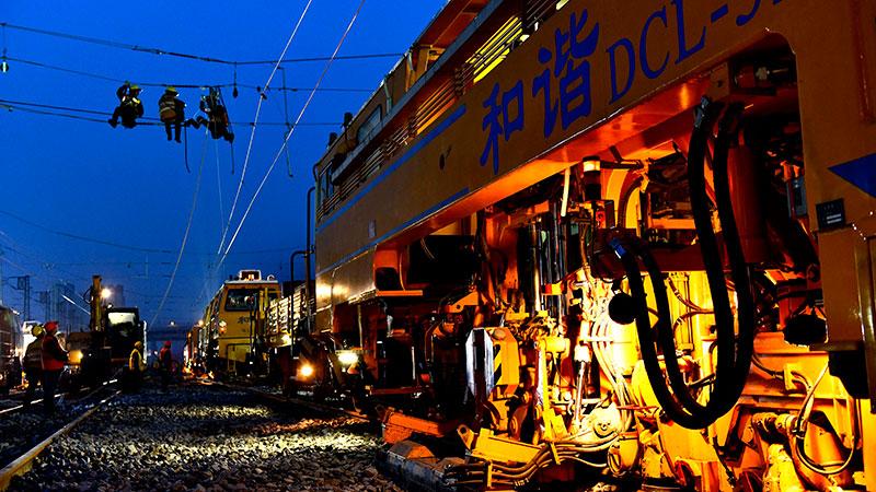 作業員千人以上を動員、黄台駅で改修工事 山東省済南市
